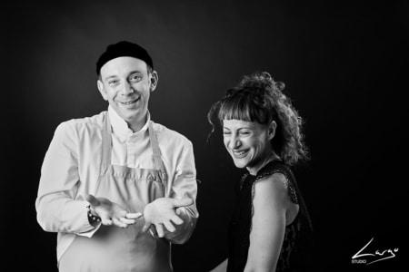 Photo de couple d'une famille en studio Lyon